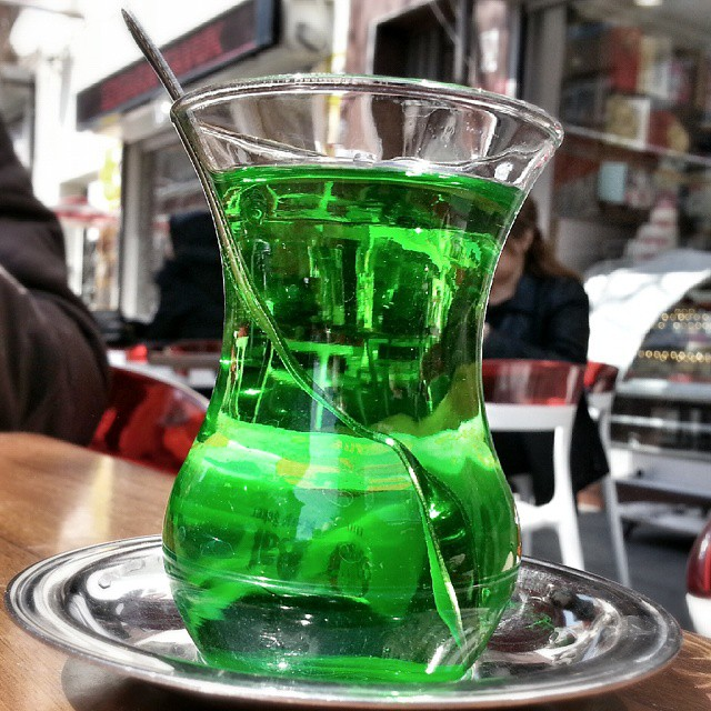 Green Drink #green #drink #follow4like #followme #tagsforlikes #instalike #instagram #instafood #glass #street