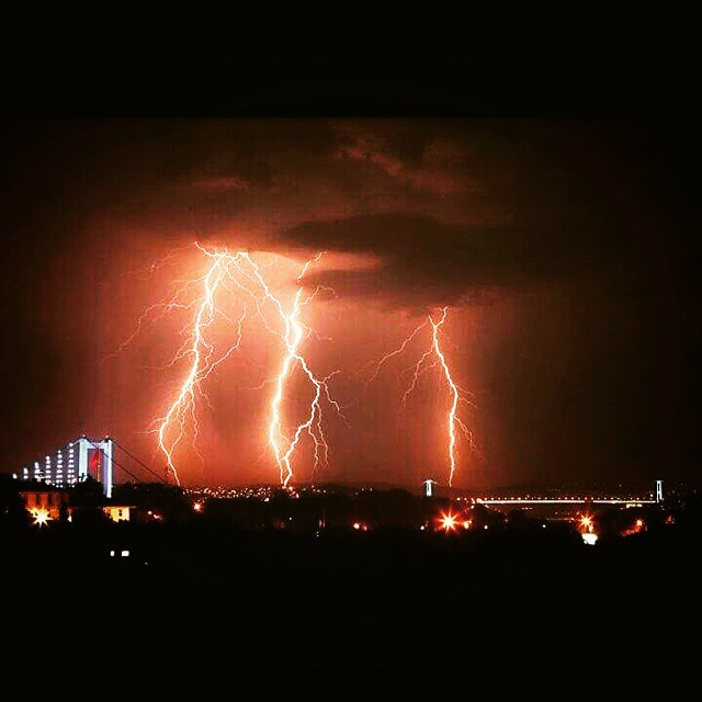 Lightning #lighning #rain #instagram #instalike #followme #follow4follow #tagsforlikes #night #sky #weather #istanbullovers #istanbul #nature
